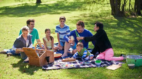 Get Ready for Summer Parties with these Healthy Tips