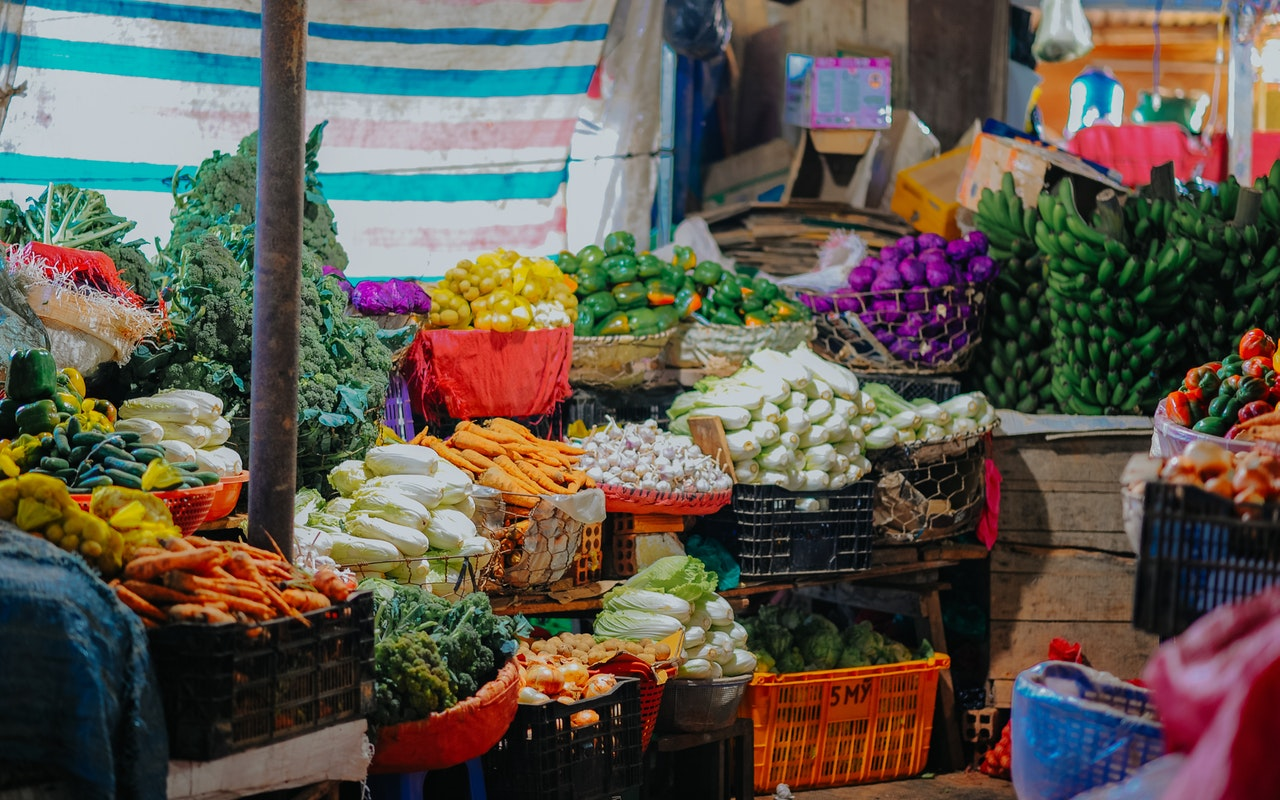 How to navigate the farmers market like a pro